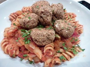 Veggie meatballs with pasta