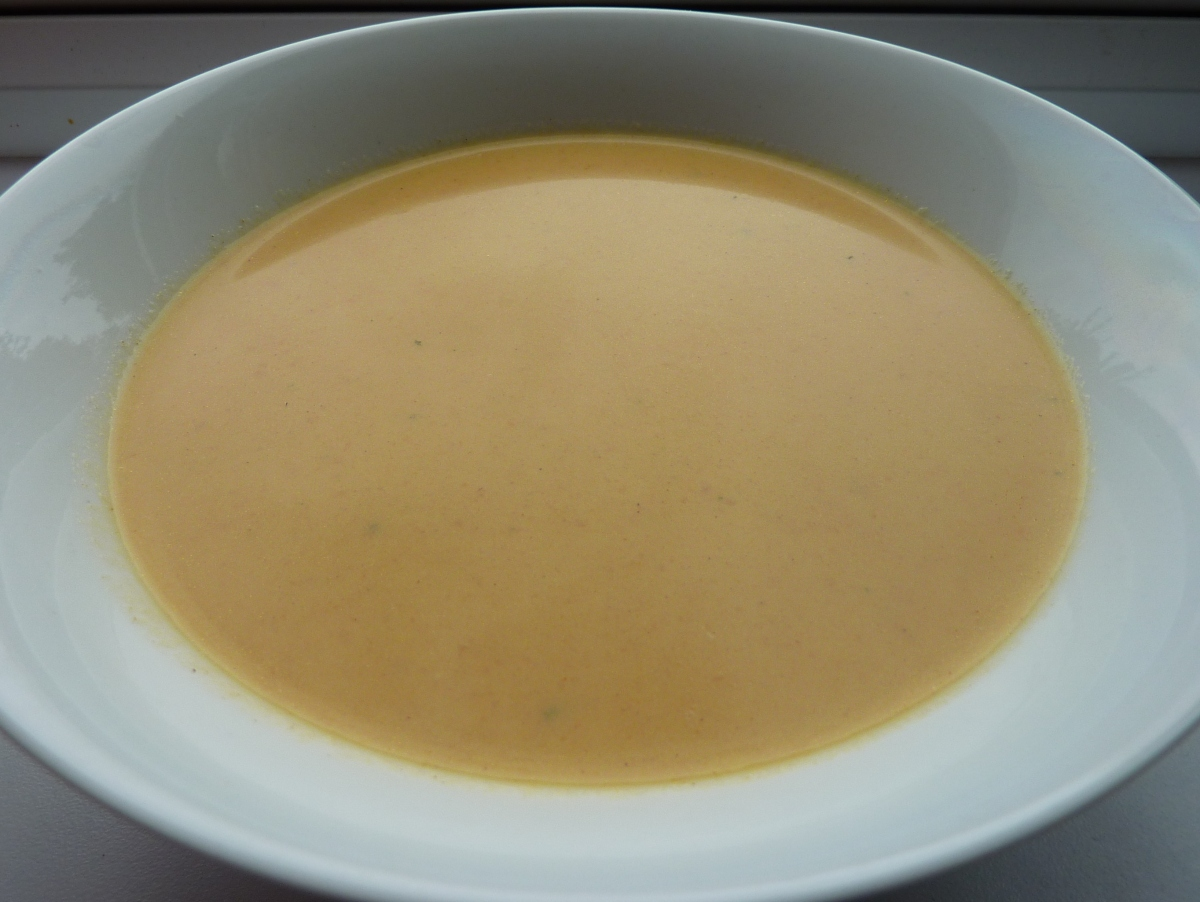 Roasted carrot, ginger & coconut milksoup