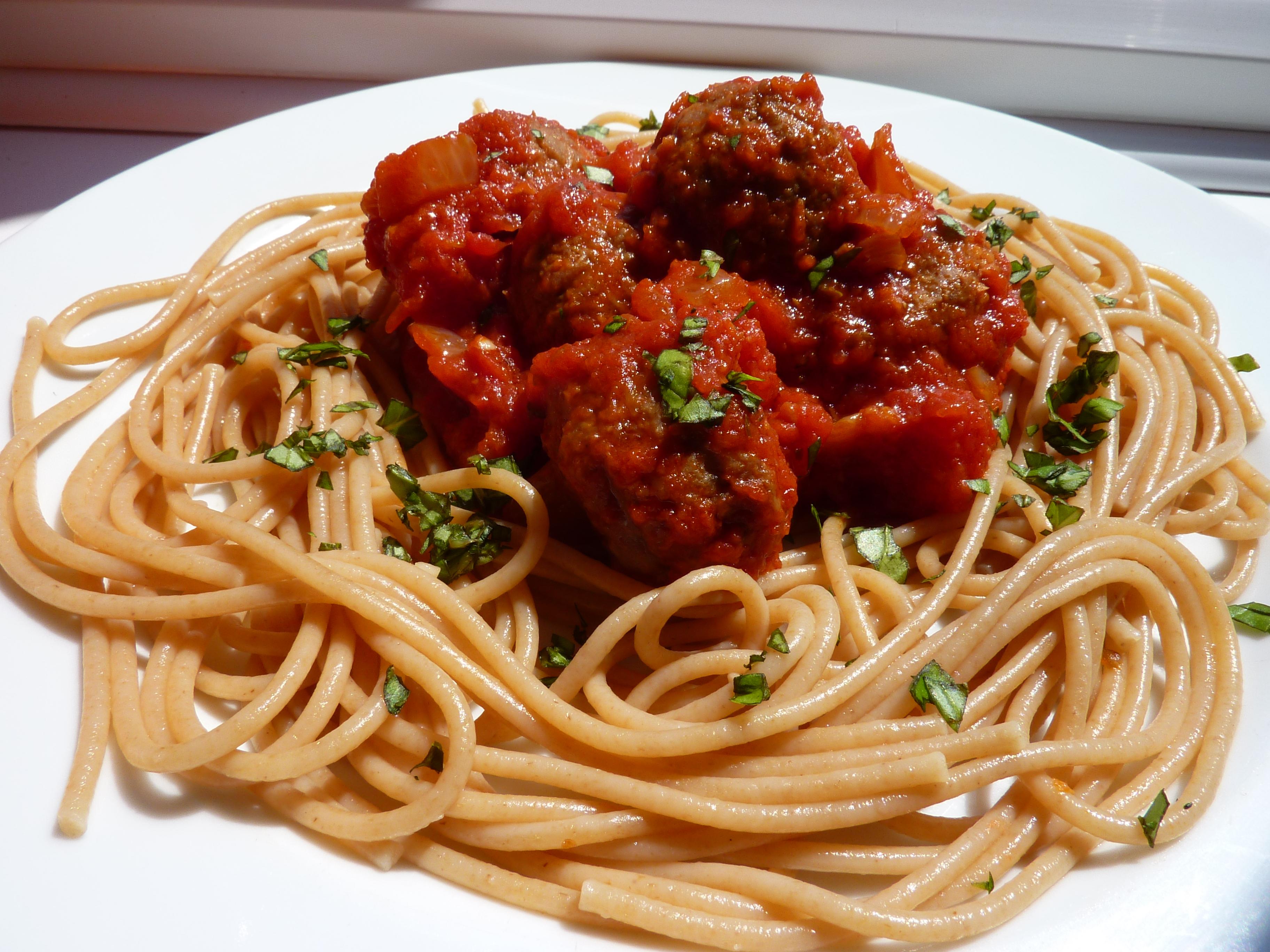 Spaghetti & Quorn meatballs