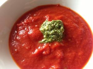 Quick tomato & pesto soup