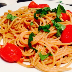 Spaghetti with tomatoes & basil